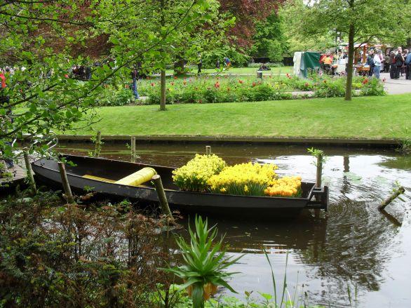 Boat full of tulips at Keukenhof gardens